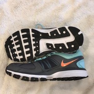 Nike Athletic Shoes size 7.5  NEW!